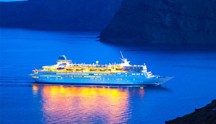 Luxury-Cruise-Ship